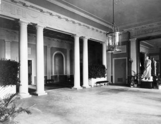 1902 photo Hallway decorated in neo-classical style with column and statue. M g1