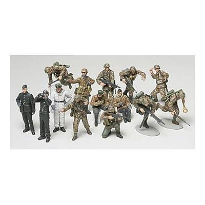 Tamiya Set of Figurines of German Panzer Grenadier, WWII Period, 300032514, 1:48: Toys & Games