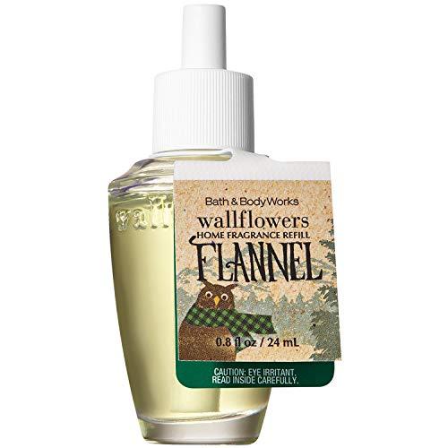 Bath and Body Works Wallflowers Home Fragrance Refill 0.8 Fluid Ounce [2018 Edition] (Flannel)