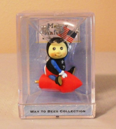 (Hallmark Merry Miniatures, Way to Bees Collection, Bee Proud Miniature Figurine)