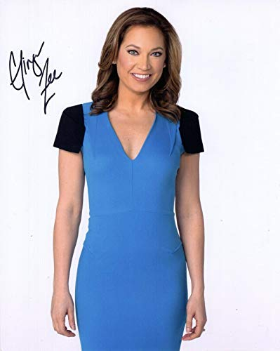 (GINGER ZEE HAND SIGNED 8x10 COLOR PHOTO+COA GORGEOUS GOOD MORNING AMERICA )