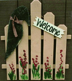 Primitive Decorative Rustic Garden Welcome Fence with Crow Amish Made USA