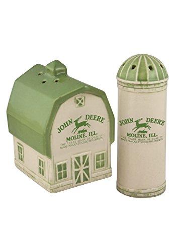 Logo Shaker Set - Collectible Vintage John Deere Logo Barn And Silo Salt And Pepper Shaker Set