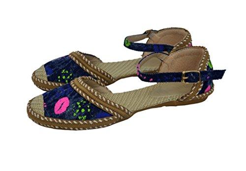 Zapatos planos de la comodidad de la bailarina de la hebilla de las mujeres negras Armada