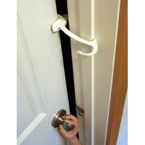 DOOR MONKEY Door Lock & Pinch Guard - Safety Door Lock For Kids - Baby Proof Door Lock For Bedrooms, Bathrooms & Kitchens - Easy, Convenient & Simple To Install - Very Portable - Great For Dogs & Cats (Door Latch Cover)