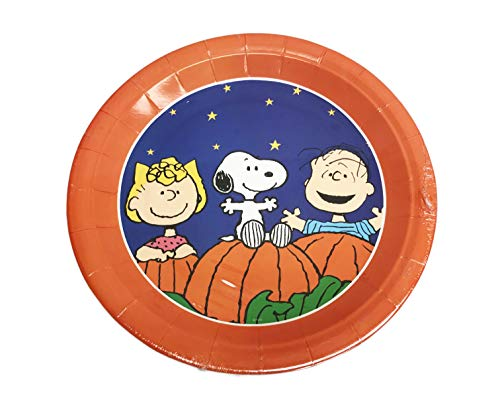 Charlie Brown & The Great Pumpkin Pack of 16, 9'' Paper Dinner Holiday Party Plates -