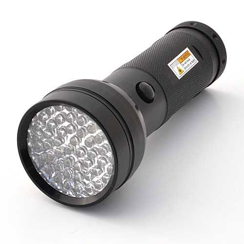 LEDwholesalers-51-LED-395nm-Ultra-Violet-Blacklight-UV-Flashlight-3xAA-7202UV395