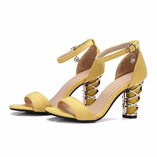 Europa y los Estados Unidos el verano grandes astilleros de zapatos de mujer, Suede, un tipo de sandalias, metal irregular con sandalias femenino yellow