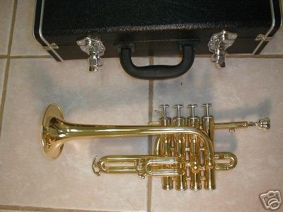 Piccolo trumpet, 4 piston, with hard case and mouthpiece, gold by Maestro