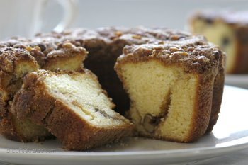 Coffeecakes.com Traditional Cinnamon Walnut Coffee Cake (Granny Smith Walnut Cake)