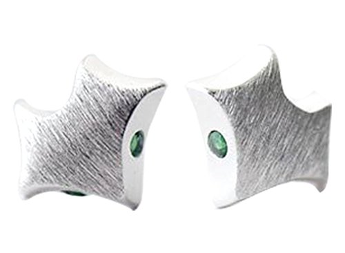 new-sterling-silver-green-crystal-eyes-stringy-fox-stud-earrings