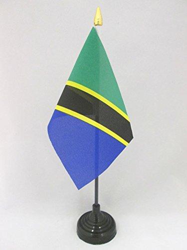 Tanzanian Desk Flag 15 x 10 cm golden spear top AZ FLAG Tanzania Table Flag 4 x 6