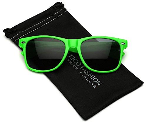 Leico Fashion - Iconic Horn Rimmed Classic Sunglasses - Bright Neon - Sunglasses Green Bright