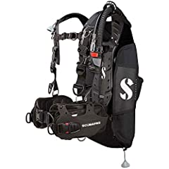 The HYDROS Pro is a true breakthrough in dive comfort and convenience. The moldable m , Adjustable fit and Multi-attachment points combine to make this the most Customizable and comfortable BCD ever. The HYDROS Pro includes both tram-teak str...