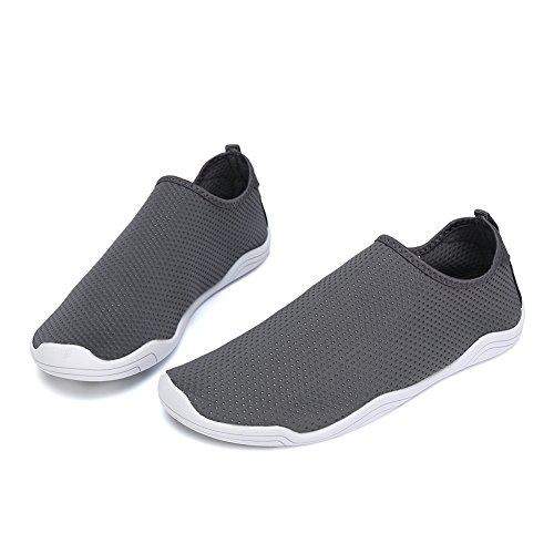 FCKEE Water Shoes Aqua Schuhe Slip-On Barfuß Leicht Leicht Quick-Dry Drainage Haltbare Sohle Mutifunktional für Beach Pool Surfen Frauen Männer D-tiefes Grau