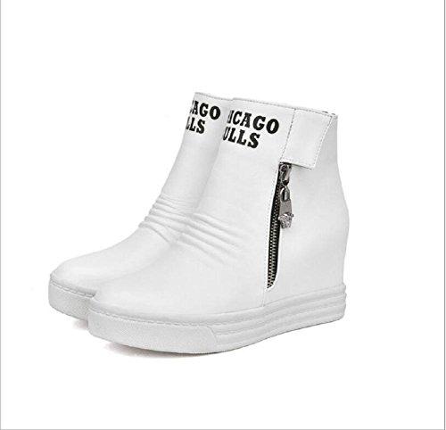 Las mujeres entran y ocio de invierno corto botas con cremallera de lado cuesta talón que botas de Martin white