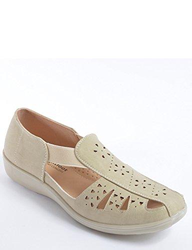 Shoe Chums Elastic Side Ladies Beige Slip On a8x0aP