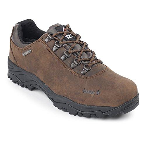 Izas Fons - Calzado ligero para montaña para hombre, color marrón