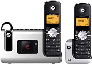 Motorola DECT 6.0 Cordless Phone with 2 Handsets, Digital Answering System and DECT 6.0 Headset L903
