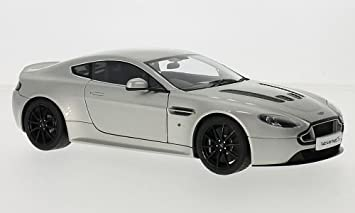 Aston Martin V12 Vantage S Silber Rhd 0 Modellauto Fertigmodell Autoart 1 18 Amazon De Spielzeug