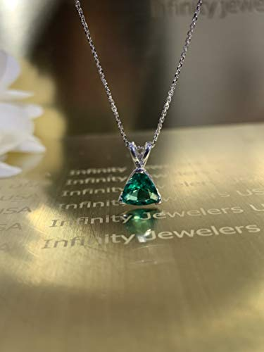 Trillion shape green emerald necklace, 18
