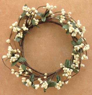 Berry Leaf Candle Ring (Ivory Pip Berry Ring Mini Wreath Green Silk Leaves Country Primitive Floral Décor)