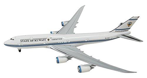 1/500 B747-8 クゥエート政府専用機 飛行姿勢 スタンド付き 5507