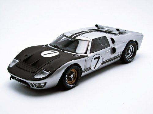 (1966 Ford GT-40 MK 2 Silver #7 1/18 by Shelby Collectibles 404)