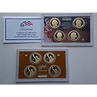 Dólar presidencial de prueba de 2007 establecido en el embalaje original del gobierno de EE.