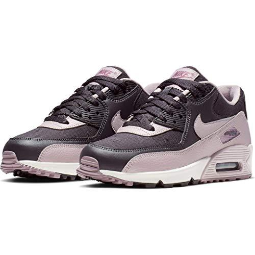 - Nike Women's Air Max 90