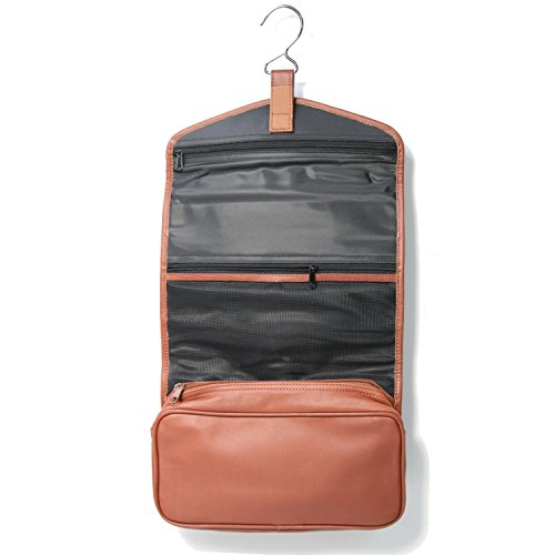 royce-leather-hanging-toiletry-bag-tan