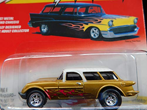 Johnny Lightning 1954 Corvette Nomad (Gold with Flames) Thunder Wagon Series