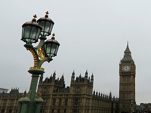 Big Ben Clock Chimes 12 in foggy London - Happy New Year England (England London Houses)