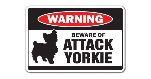 Amazon.com: Cuidado con de ataque Yorkie señal de ...