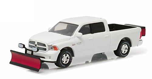 Greenlight 1:64 2015 Ram 1500 With Snow Plow and Salt Spreader (Hobby (Snow Plow Dodge Truck)