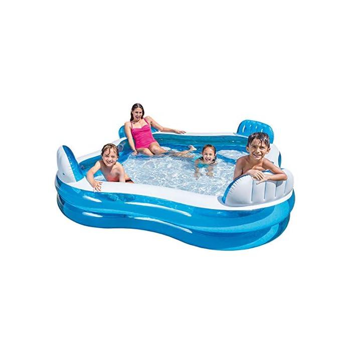 413%2B5BFv8fL Piscina hinchable Intex de vinilo con forma cuadrada, medidas: 229 x 66 cm y capacidad para 990 litros/agua Piscina hinchable con 4 asientos y respaldos hinchables para mayor comodidad y relajación Piscina de color blanco y azul, incluye 2 posavasos en la lona de la piscina