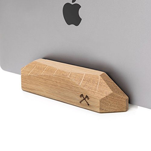 Woodcessories - EcoRest - Wooden MacBook Dock - Premium Design MacBook Stand, Holder, Rest for the Apple MacBook made of solid, FSC certified wood (Oak) by Woodcessories