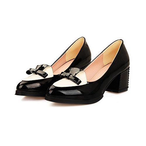 Allhqfashion Vrouwen Lakleder Kitten Hakken Puntige Gesloten Teen Pull-on Pumps-schoenen Zwart
