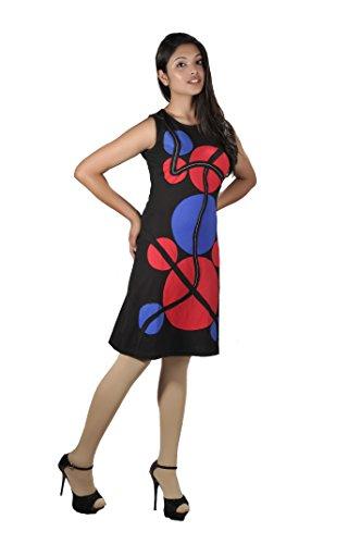 Sin mangas de las señoras del verano con el remiendo colorido. Negro y azul