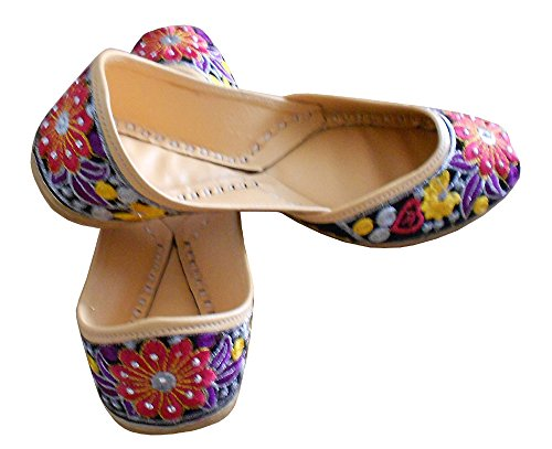 Kalra Creations Women's Traditional Handmade Velvet with Embroidery Indian Casual Shoes Multicoloured 0St3EwfC9