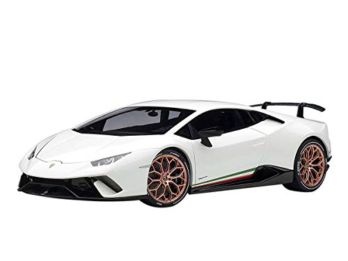 Lamborghini Huracan Performante Bianco Monocerus/Solid White with Gold Wheels 1/18 Model Car by Autoart 79151