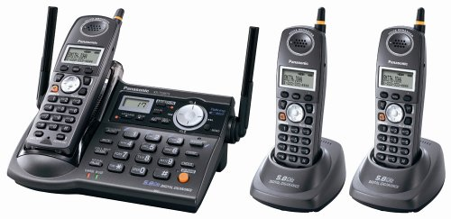5.8 GHz FHSS GigaRange  Digital Cordless Telephone with Three Handsets (Fhss Handset)