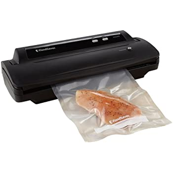 FoodSaver V2244 Vacuum Sealing System with Starter Kit