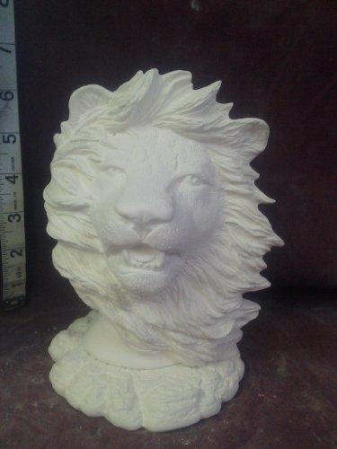 Nowells Lion Bust w Base ()