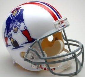 (Riddell NEW ENGLAND PATRIOTS 1965-1981 NFL Full Size REPLICA Throwback Football Helmet )
