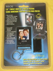 "Xeos 1.5"" Digital Photo Frame Key Chain Led Fashlight"