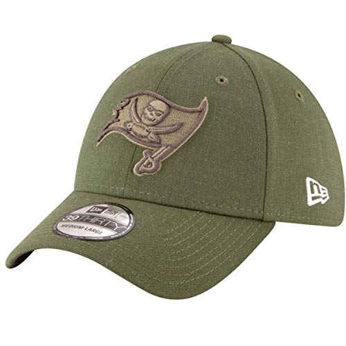 New Era Tampa Bay Buccaneers Olive 2018 Salute to Service Sideline 39THIRTY Flex Hat (Medium/Large) ()