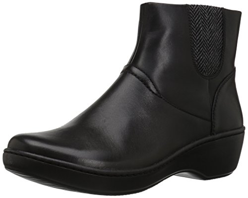 CLARKS Women's Delana Joleen Boot, Black Leather, 8 M US by CLARKS