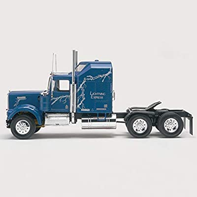 Revell Kenworth W900: Toys & Games