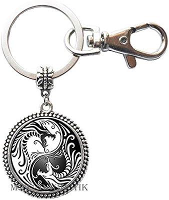 Amazon.com: Llavero con diseño de dragones Yin Yang, llavero ...
